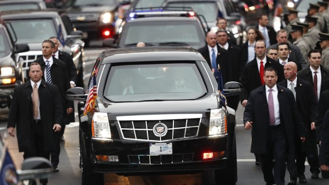 12,000 assassination tweets: Trump's social media presence is a new challenge for the Secret Service