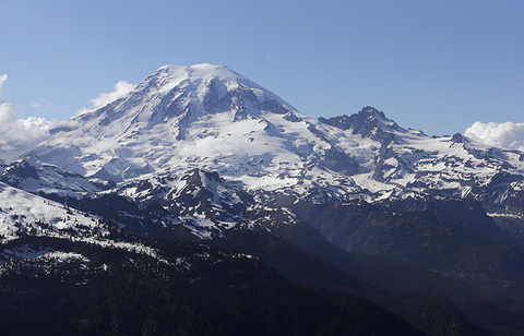 Scientists say recent quake swarm at Rainier is not unusual