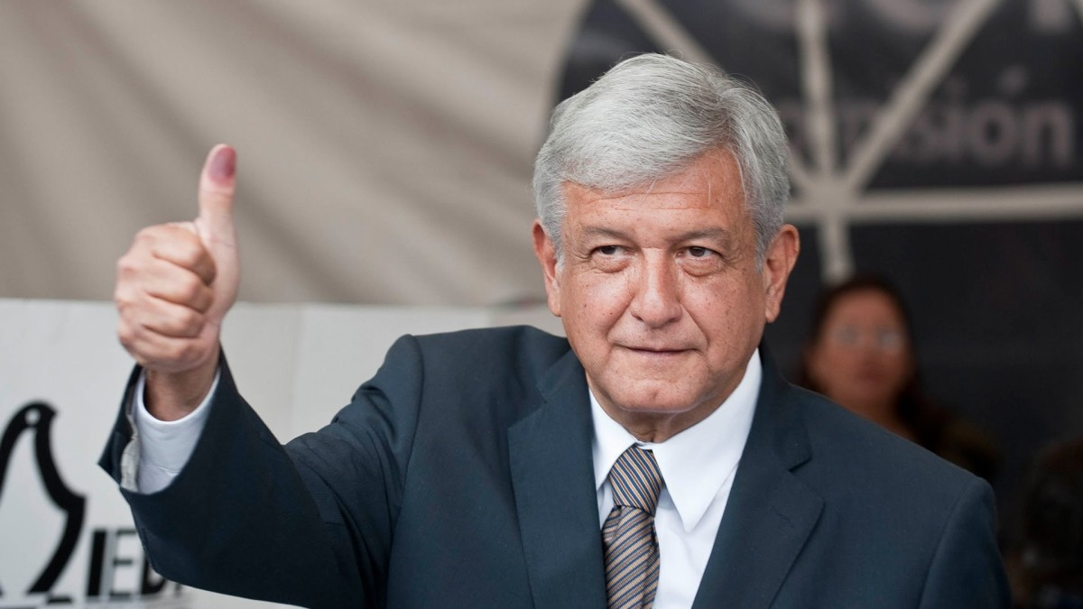 Mexican election front-runner offers referendums, could end term early